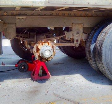 Техпомощь грузовых авто на выезде